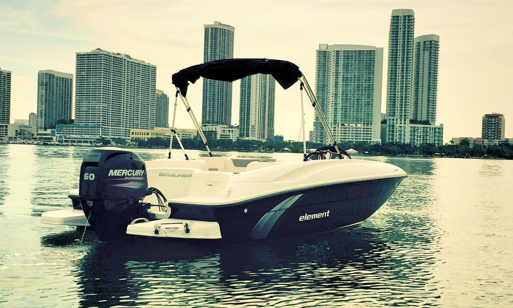 NEW bayliner excelent For Miami Bay Ride!
